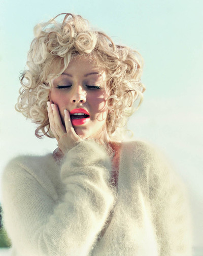 01christina_aguilera_mag_blond_big