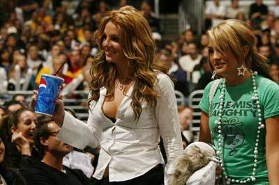 Britneyspearslakersgame